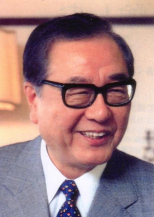 山川 静夫